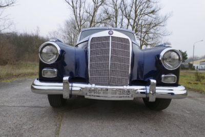 Mercedes Adenauer 300